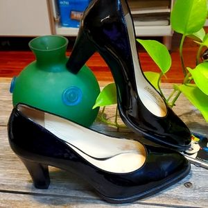 Cole Haan black patent leather heels, 6.5